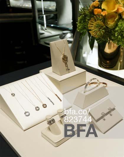 告诉您关于珠宝陈列设计的基本知识_金色年华首饰包装