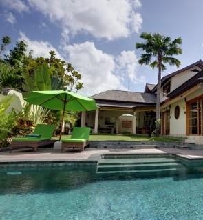 巴厘岛玛雅娜度假别墅酒店(bali island mayana villa