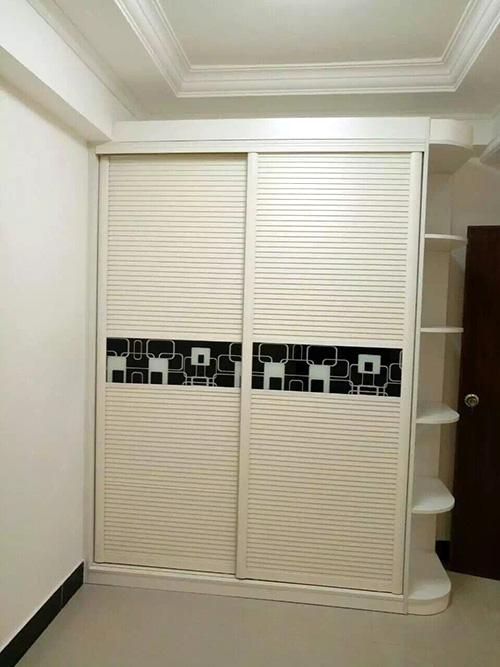 定制现代简约百叶移门衣柜,板式整体衣柜